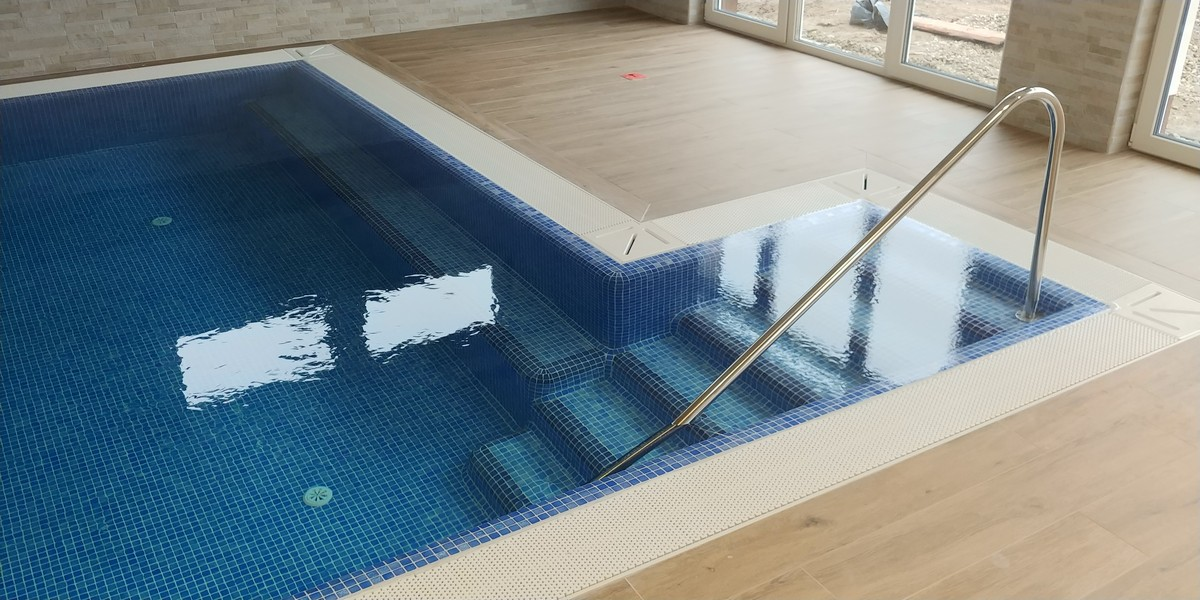 Stretched swimming pools